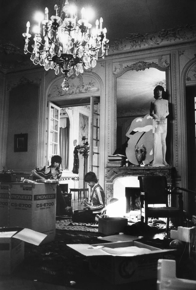 Keith & Mick, Boxes, Villa Nellcote, Summer 1971 ~ Dominique Parlé.jpg